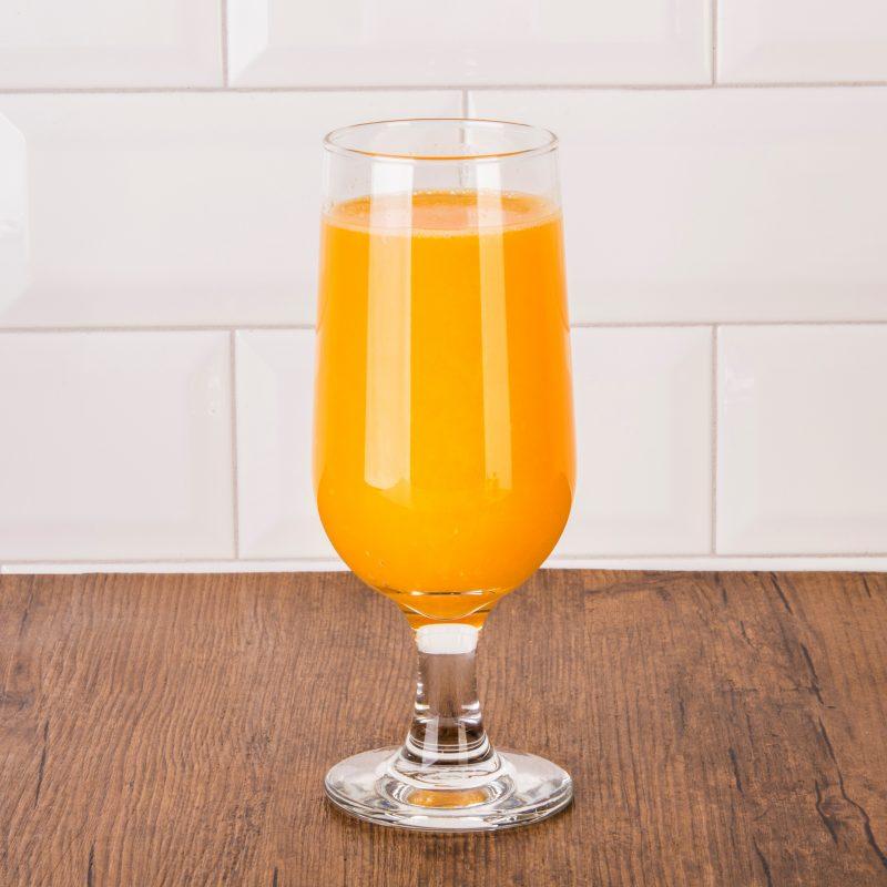 Jus d'orange ou pamplemousse frais pressé